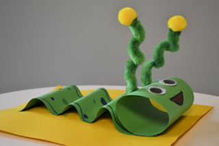 Paper Inchworm - Critter Crafts: Insect Craft Activities for Elementary Students